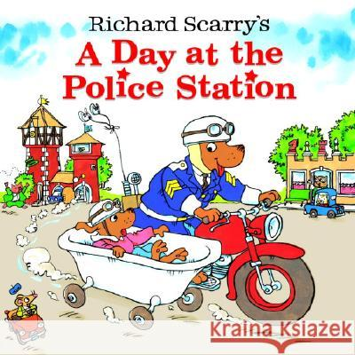 A Day at the Police Station Richard Scarry 9780375828225
