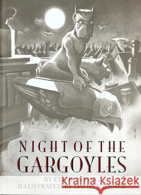Night of the Gargoyles Eve Bunting David Wiesner 9780395968871 Clarion Books