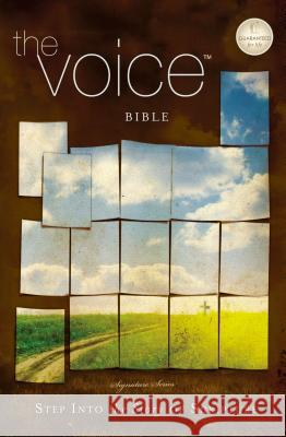 The Voice Bible, Personal Size, Paperback : Step Into the Story of Scripture   9781401678494