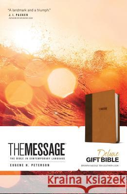 Message Deluxe Gift Bible: The Bible in Contemporary Language  9781631465789