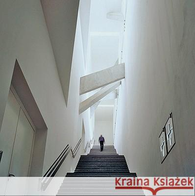 Modern Architecture in Berlin Rolf Rave 9783936681291