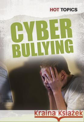 Cyber Bullying Nick Hunter 9781432955441 Heinemann Educational Books - książka