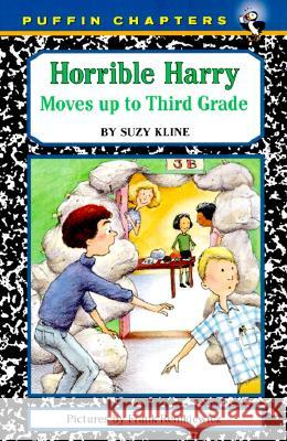 Horrible Harry Moves Up to the Third Grade Suzy Kline Frank Remkiewicz 9780140389722 Puffin Books - książka